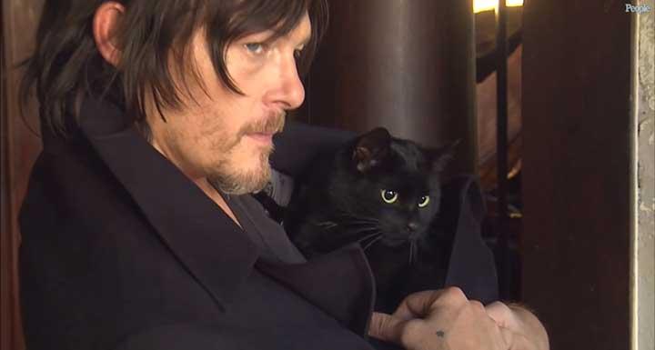 Celebrities Cats Norman Reedus cat Eye In The Dark