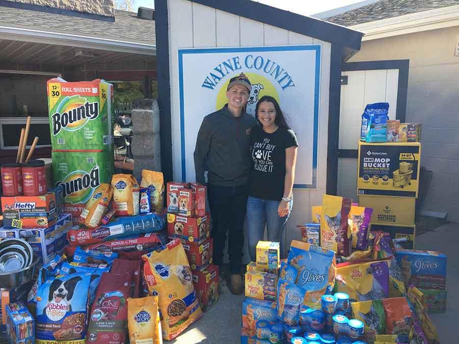 Newlyweds Ask Donations Shelter Jonathan Jeananne Wickham
